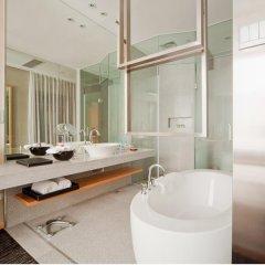 Отель Royal Tulip Luxury Hotels Carat - Guangzhou Китай, Гуанчжоу - 2 отзыва об отеле, цены и фото номеров - забронировать отель Royal Tulip Luxury Hotels Carat - Guangzhou онлайн ванная фото 2