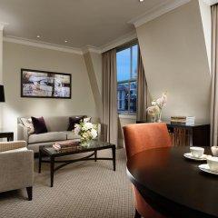 Отель Taj 51 Buckingham Gate, Suites and Residences комната для гостей фото 2