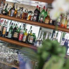 Отель Emilia Италия, Римини - отзывы, цены и фото номеров - забронировать отель Emilia онлайн гостиничный бар фото 3
