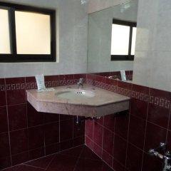 Отель Motel Los Prados - Adults Only Тлальнепантла-де-Бас ванная фото 2