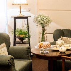 Отель SLAVIA комната для гостей