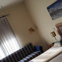 Отель Mirador de la Fuente сейф в номере