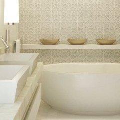 Отель Villa Suksan Nai Harn ванная