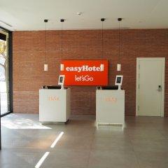 Отель easyHotel Barcelona Fira Испания, Оспиталет-де-Льобрегат - отзывы, цены и фото номеров - забронировать отель easyHotel Barcelona Fira онлайн интерьер отеля фото 3