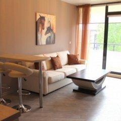 Апартаменты Boomerang Apartments Солнечный берег комната для гостей фото 2