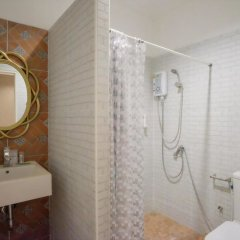 Отель The O-zone Airport Inn Бангкок ванная