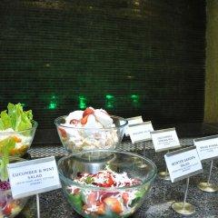 Отель Cambay Grand питание фото 3