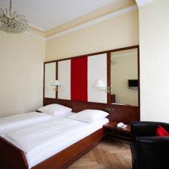 Отель Uhland Германия, Мюнхен - отзывы, цены и фото номеров - забронировать отель Uhland онлайн сейф в номере