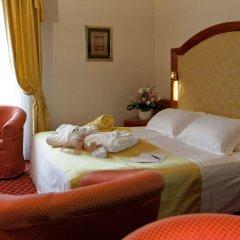 Отель Radisson Blu Resort, Terme di Galzignano Италия, Региональный парк Colli Euganei - 1 отзыв об отеле, цены и фото номеров - забронировать отель Radisson Blu Resort, Terme di Galzignano онлайн комната для гостей фото 2