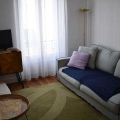 Апартаменты Large 1 Bedroom Apartment in Paris комната для гостей фото 3