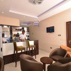 Отель Lakeem Suites - Agboyin Surulere гостиничный бар
