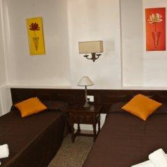 Отель Apartamentos Mestret Испания, Сан-Антони-де-Портмань - отзывы, цены и фото номеров - забронировать отель Apartamentos Mestret онлайн комната для гостей