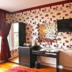 Отель Crompton Guest House в номере фото 2