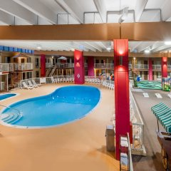 Отель Days Inn and Suites Richfield бассейн