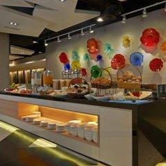 Отель Fraser Place Kuala Lumpur Малайзия, Куала-Лумпур - 2 отзыва об отеле, цены и фото номеров - забронировать отель Fraser Place Kuala Lumpur онлайн питание фото 3