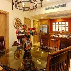 Отель Upgraded Villa La Estancia W/view в номере