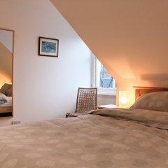 Отель 1 Bedroom Penthouse Apartment On Royal Mile Великобритания, Эдинбург - отзывы, цены и фото номеров - забронировать отель 1 Bedroom Penthouse Apartment On Royal Mile онлайн комната для гостей фото 4