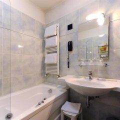 Отель Ariston Hotel Италия, Милан - 5 отзывов об отеле, цены и фото номеров - забронировать отель Ariston Hotel онлайн ванная фото 2