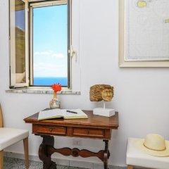 Отель B&B Al Pesce D'Oro Италия, Амальфи - отзывы, цены и фото номеров - забронировать отель B&B Al Pesce D'Oro онлайн удобства в номере