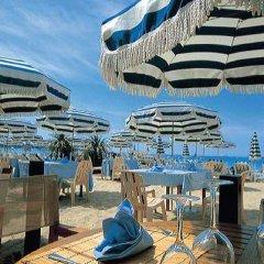 Отель Ambassador-Monaco бассейн фото 3