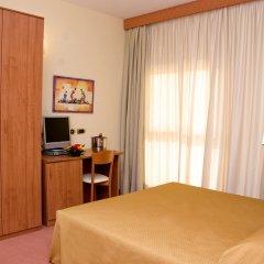 Отель La Isla Resort Понтеканьяно комната для гостей