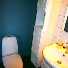 Отель Det Lille Дания, Оденсе - отзывы, цены и фото номеров - забронировать отель Det Lille онлайн ванная фото 2