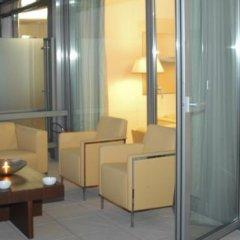 Отель NH Bologna De La Gare Италия, Болонья - 2 отзыва об отеле, цены и фото номеров - забронировать отель NH Bologna De La Gare онлайн балкон