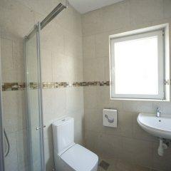 Отель Marco Polo Hostel Мальта, Сан Джулианс - отзывы, цены и фото номеров - забронировать отель Marco Polo Hostel онлайн ванная