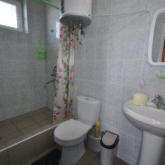 Гостиница Гостевой дом Командор в Сочи 1 отзыв об отеле, цены и фото номеров - забронировать гостиницу Гостевой дом Командор онлайн ванная