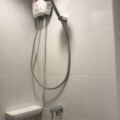 Отель Room Dee Dee (Petchakasem98) ванная фото 2