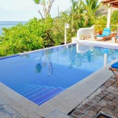 Отель Bungalows La Madera Мексика, Сиуатанехо - отзывы, цены и фото номеров - забронировать отель Bungalows La Madera онлайн бассейн фото 2