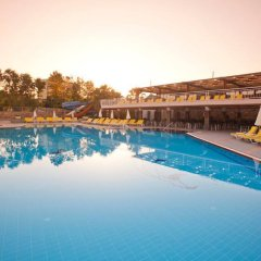 Club Mermaid Village Турция, Аланья - 1 отзыв об отеле, цены и фото номеров - забронировать отель Club Mermaid Village - All Inclusive онлайн бассейн фото 2