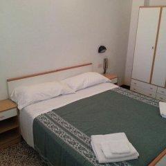 Отель Fiorina Bed&Breakfast сейф в номере