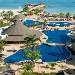 Отель Royalton White Sands All Inclusive бассейн