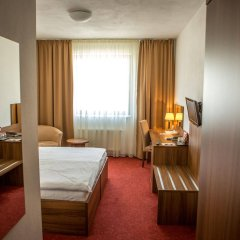 Hotel Saffron комната для гостей