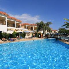 Jacaranda Hotel Apartments бассейн фото 2
