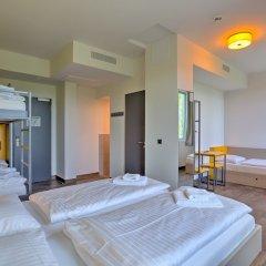 Отель MEININGER Hotel Munich Olympiapark Германия, Мюнхен - отзывы, цены и фото номеров - забронировать отель MEININGER Hotel Munich Olympiapark онлайн комната для гостей