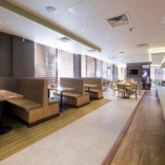 Отель Premier Inn London Lewisham интерьер отеля