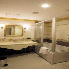 Maywood Hotel ванная