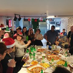 Kimchee Downtown Guesthouse - Hostel питание