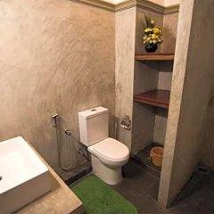 Отель Thumbelina Apartments & Hotel Шри-Ланка, Бентота - отзывы, цены и фото номеров - забронировать отель Thumbelina Apartments & Hotel онлайн ванная