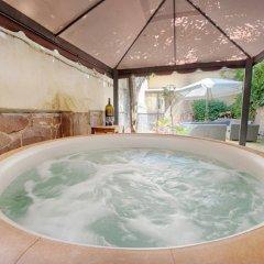 Отель Pepi Suite бассейн