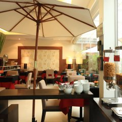 Отель FuramaXclusive Sathorn, Bangkok Бангкок питание