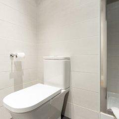 Отель AinB Eixample - Miró Барселона ванная фото 2