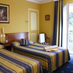 Отель Golden Tulip De Paris Канны сейф в номере