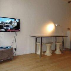 Апартаменты Saint Denis Apartment Париж комната для гостей фото 2