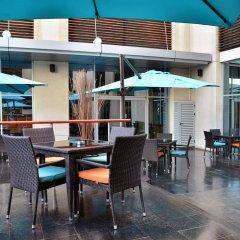 Отель Novotel Dubai Deira City Centre гостиничный бар фото 3