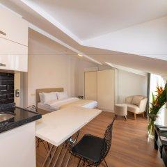 Отель Joy Suites в номере