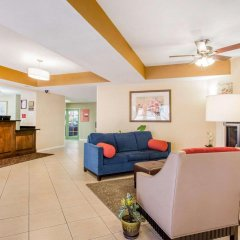 Отель Comfort Suites Tulare интерьер отеля