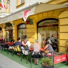Отель Mucha Hotel Чехия, Прага - - забронировать отель Mucha Hotel, цены и фото номеров спортивное сооружение